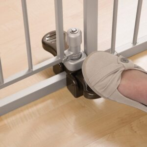 Baby Gate With Foot Pedal