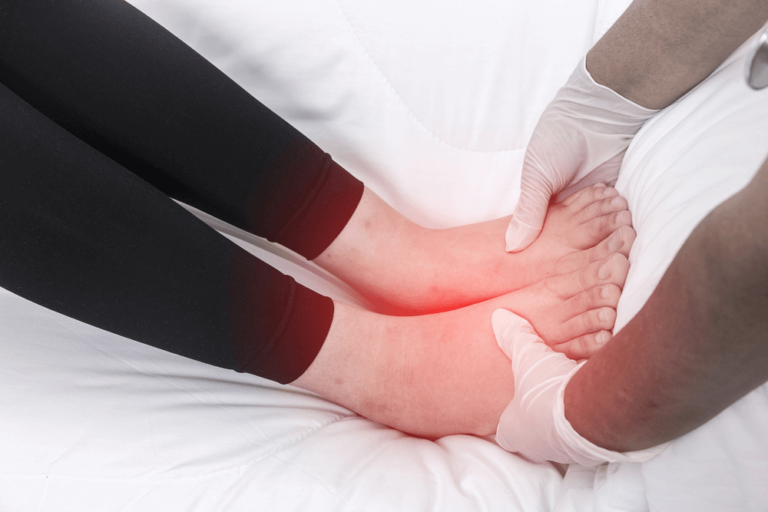 hot or cold water for swollen feet during pregnancy