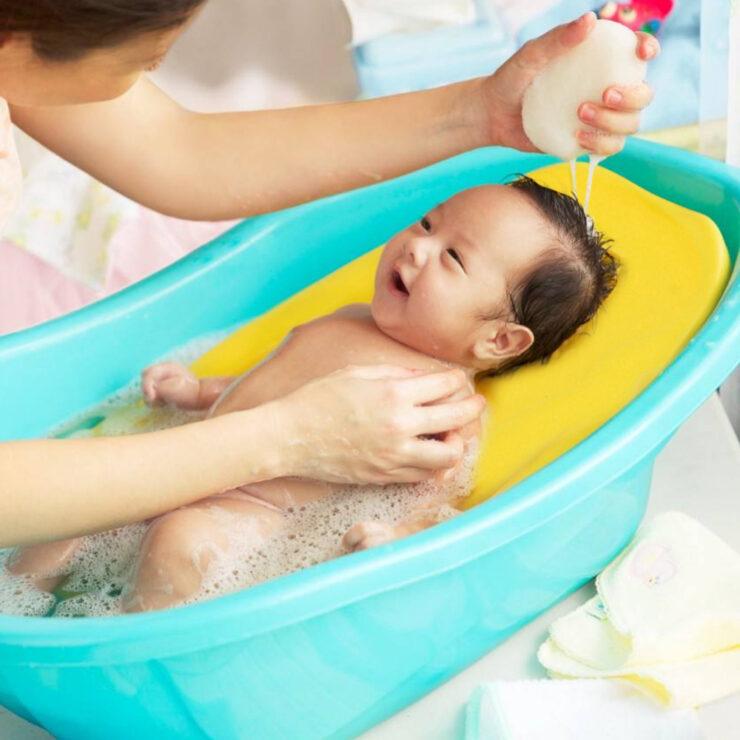 newlyborn baby bath tub