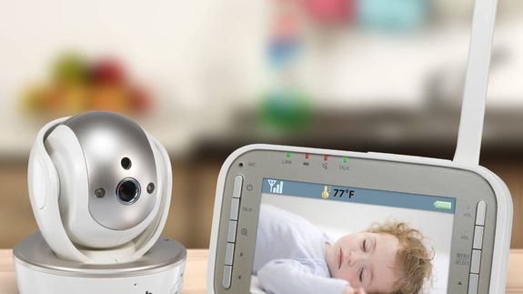 video baby monitor with 2 parent units